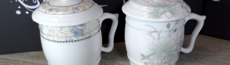 Cana de ceai cu capac din portelan fin