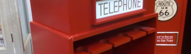 suport de sticle de vin cabina telefonica londoneza
