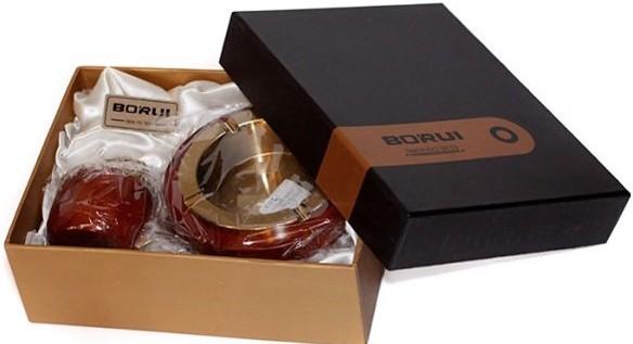 Set cadou pentru fumatori cu scrumiera si bricheta