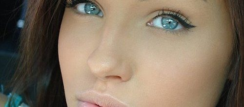 buze-ochi-albastri-tratament