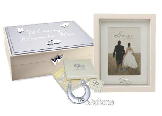 Caseta de nunta, potcoava norocoasa si rama foto cu verighete
