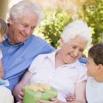 Ce cadouri pentru bunici poti oferi?