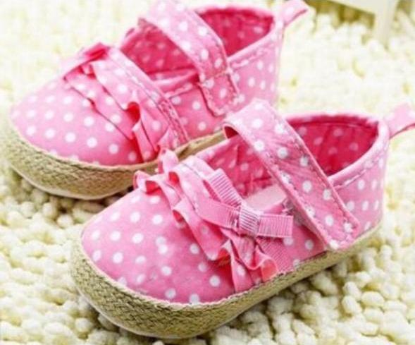 Cadou pentru bebelus fetita, idei si recomandari speciale de la Juliana