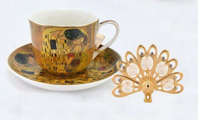 Ceasca cu farfurioara Gustave Klimt si paun cu cristale Swarovski