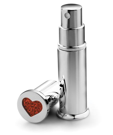 atomizor de parfum, 6 lucruri esentiale in geanta unei femei