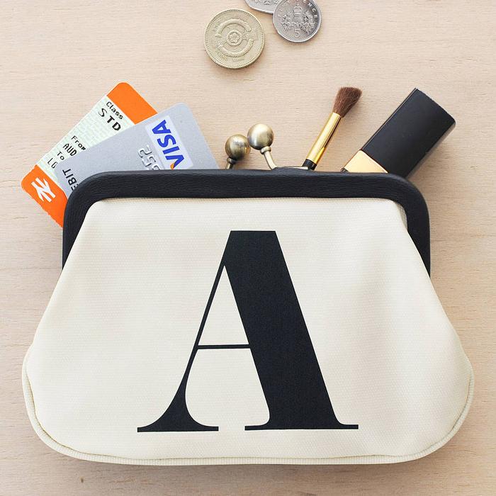 Portmoneu pentru monezi, chei si card Alphabet Bags