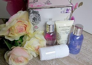 Set de cosmetice Royal Bouquet.