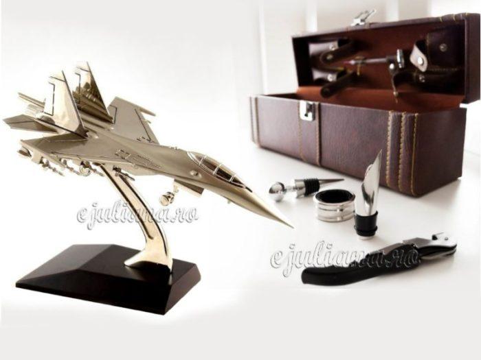 Cutie accesorii sticla de vin avion pentru birou