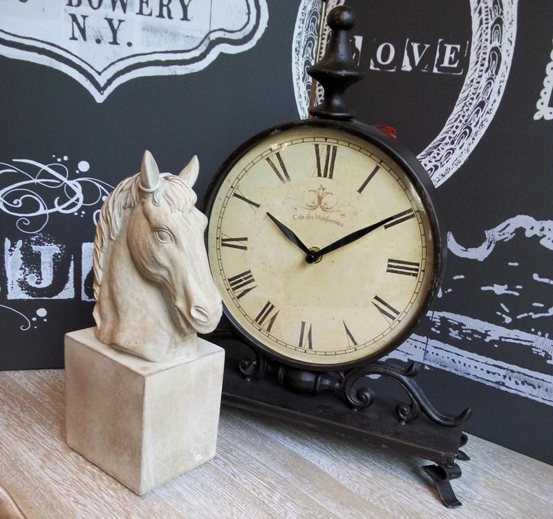 Cal bust si ceas de birou vintage