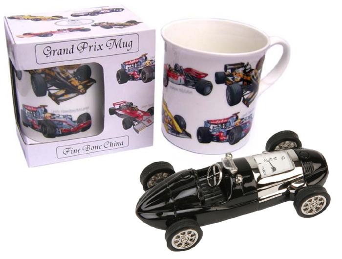 Cana de cafea cu masini si ceas de birou in forma de masina