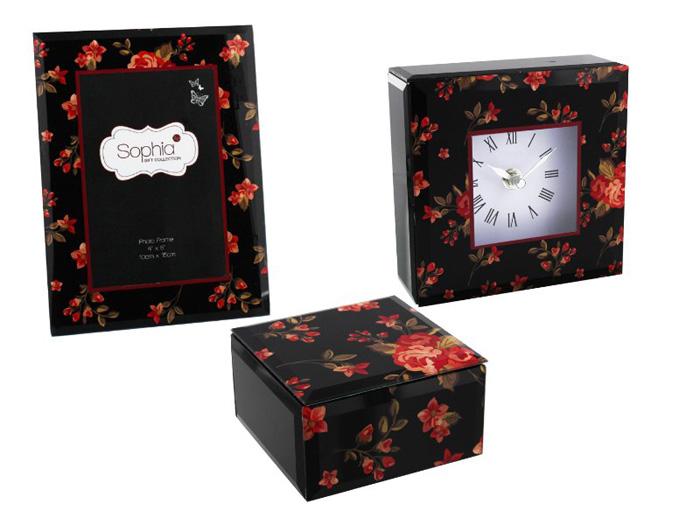 Set inflorat format din rama foto, ceas si cutie de bijuterii.