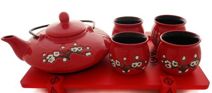 Set de ceai din portelan chinezesc.