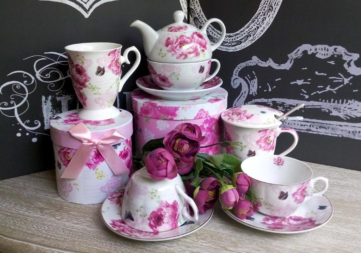 set de ceai din portelan , ceainic si cana de cafea cu bujori roz