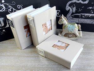 Album foto ABC pentru bebelusi si pusculita in forma de calut.
