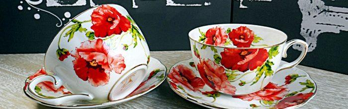Set de cesti inflorate pentru cafea sau ceai.