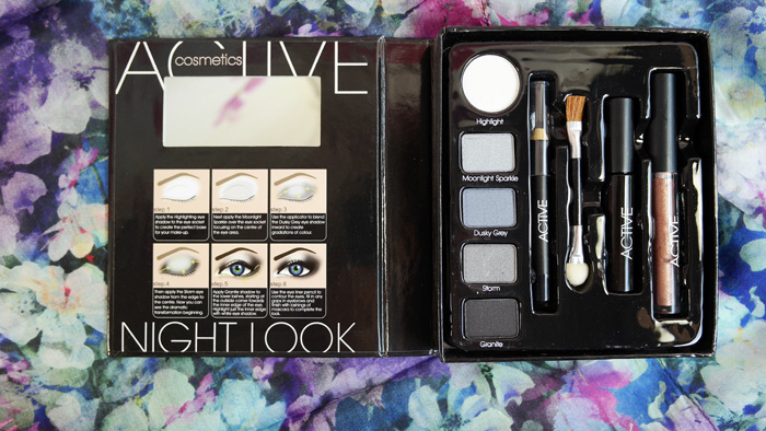 Paleta Actve Cosmetics pentru smokey eyes.