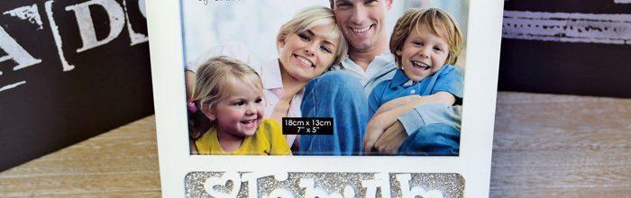 Rama foto Family cu sclipici.