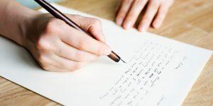 Scriere felicitare.
