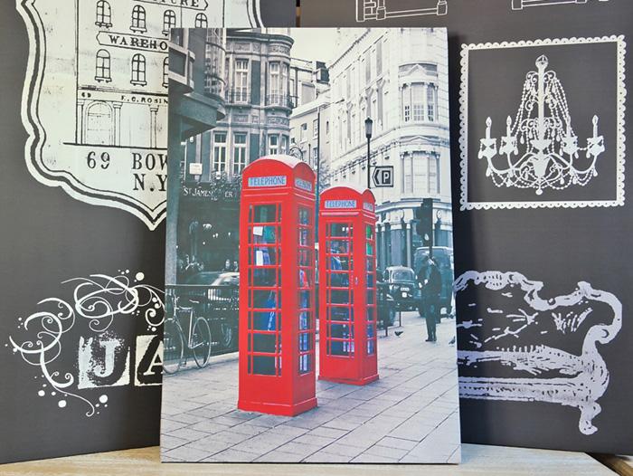 Tablou cu cabina telefonica, simbolul Angliei.