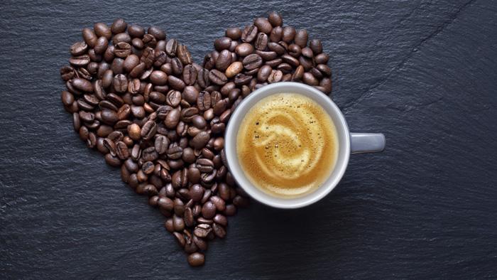 Cescute de cafea din portelan.