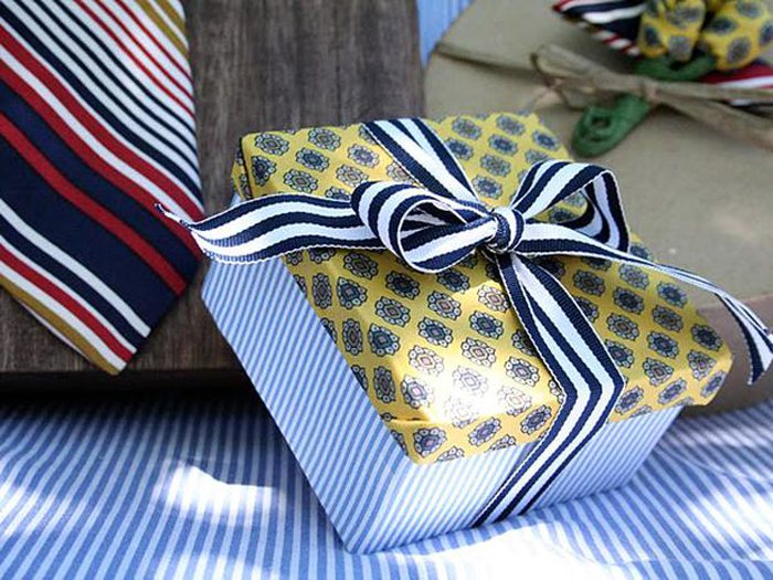 Cutie de cadou pentru haine