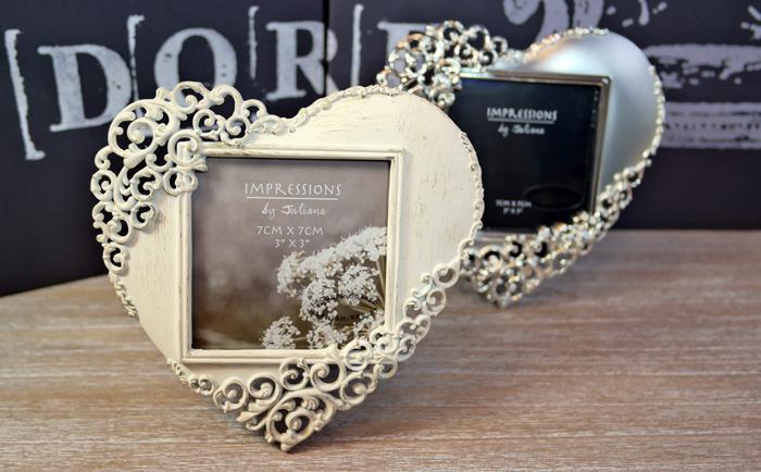Cadouri pentru nunta. rama pentru miri