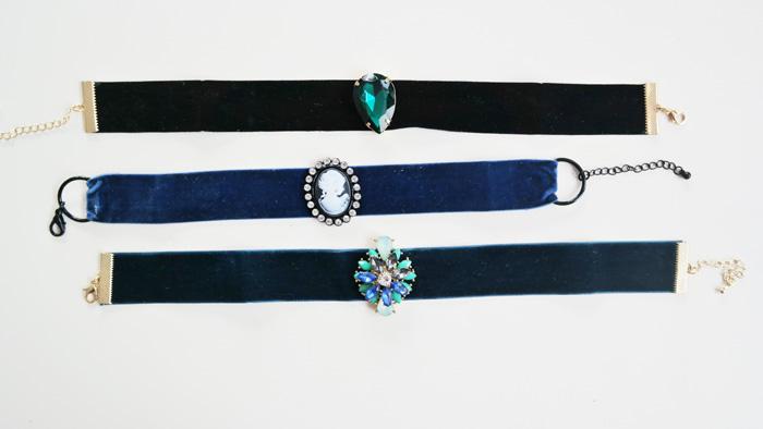 Chocker, accesorii feminine pentru sarbatori.