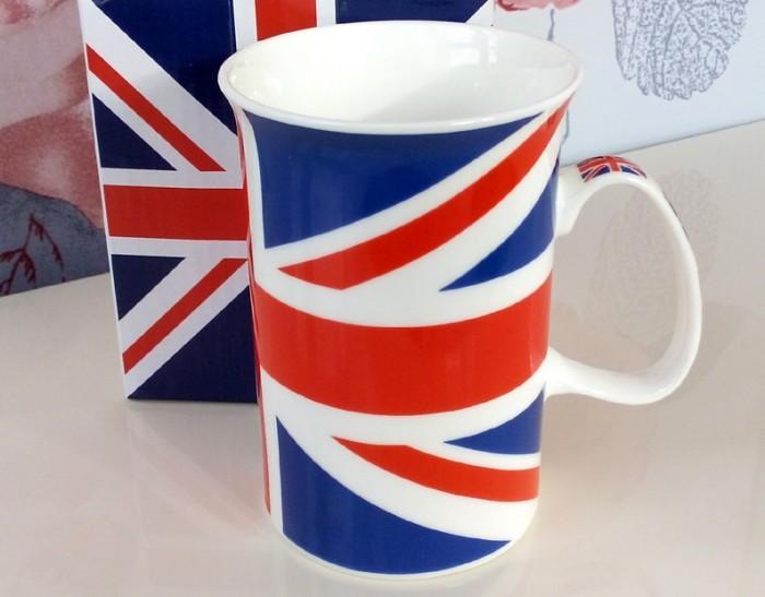 Cana de cafea cu drapelul britanic