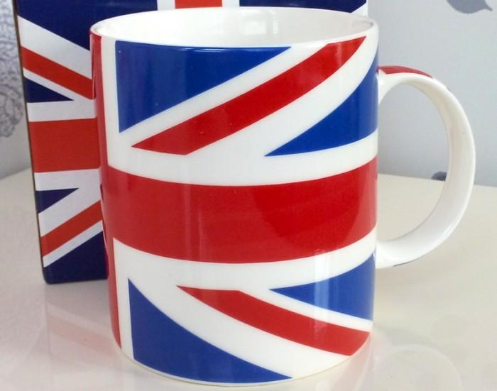 Cana de cafea cu steagul britanic