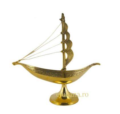 Corabia bogatiei de alama, un remediu feng shui pentru bunastare si bogatie