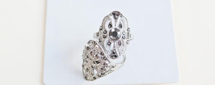 Cum purtam un inel de seara, accesorii feminine pentru sarbatori.