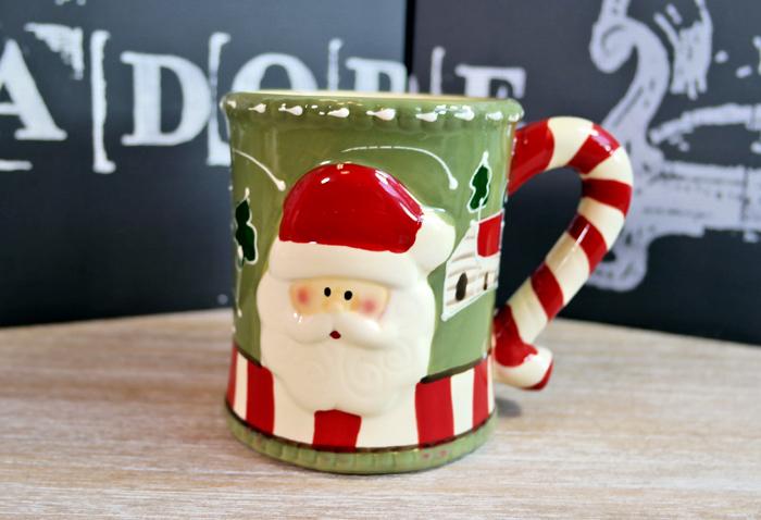 Decoratiuni cu aer de sarbatoare, cadou de Secret Santa.