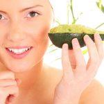Masca hidratanta cu avocado rapida si eficienta