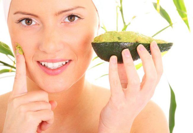 Masca hidratanta cu avocado.