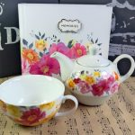 Cadou pentru iubitoarele de flori colorate