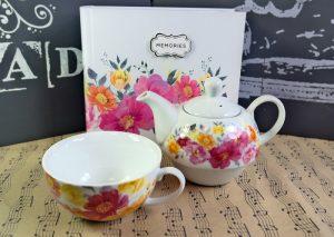 Ceainic si album cu flori, Cadou pentru iubitoarele de flori, Cadou pentru iubitoarele de flori