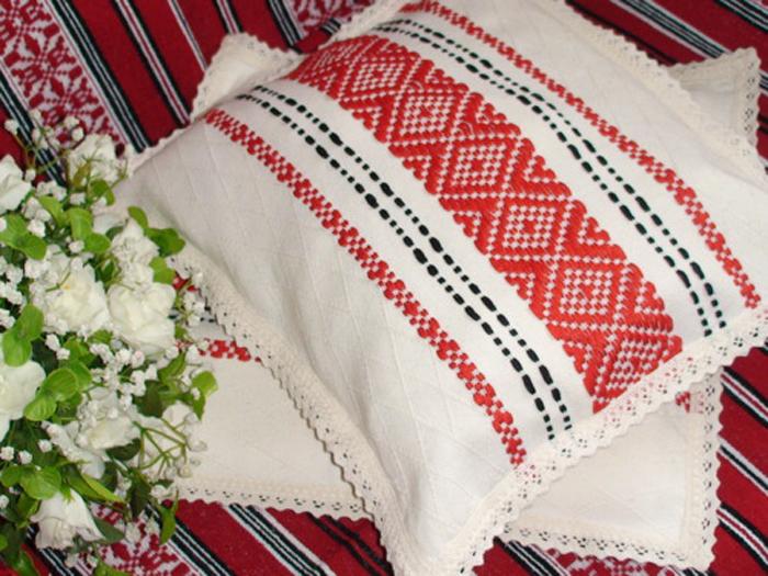 Cadouri traditionale romanesti tesaturi
