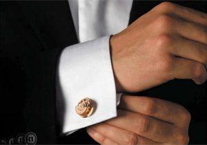 Cum purtam butonii pentru camasa.