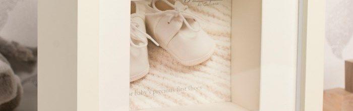 Caseta pentru primii botosei-cadouri speciale pentru bebelusi