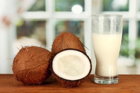masca pentru ten facuta in casa cu cocos