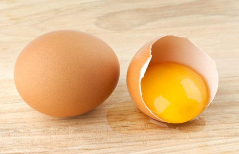 masca pentru ten facuta in casa cu ou
