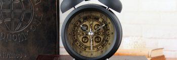 Modele inedite de ceasuri cadou pentru birou