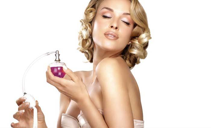Cum sa aplici parfumul corect-cadouri pentru pasionatii de moda