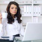 Trei idei de tinute pentru birou in trend