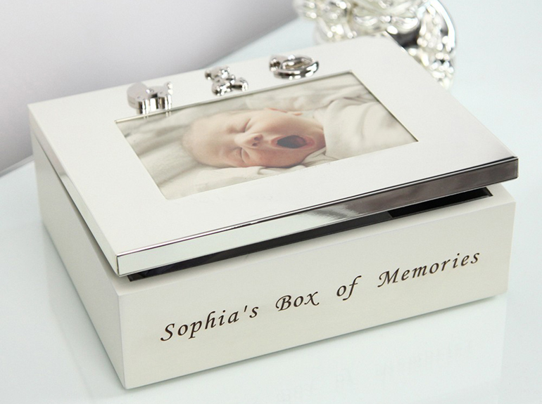 Caseta bebelusului cu rama foto