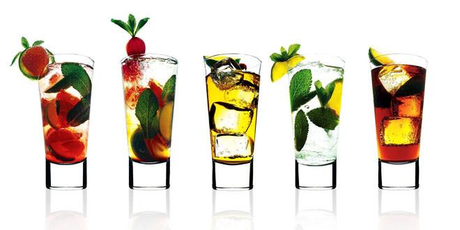 Cum ne imbracam la un cocktail party.