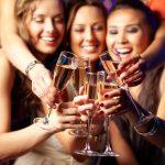 Idei de tinute pentru cocktail party