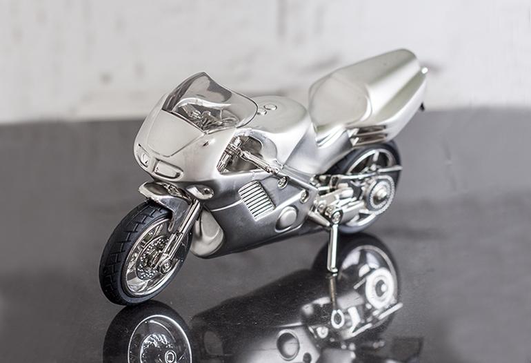 Idei de cadouri pentru motociclisti