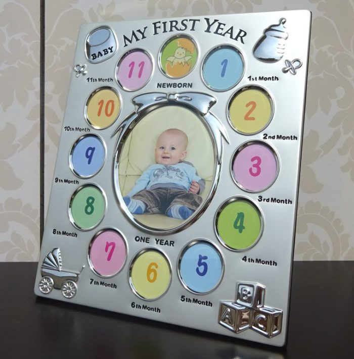 Rama pentru primul an al bebelusului