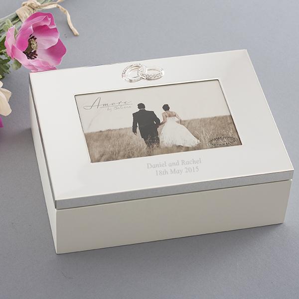 Cadouri de cuplu caseta pentru miri, Cadouri de nunta inspirate